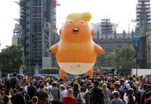 """Con un """"Trump inflable"""" protestan los ingleses en el Reino Unido"""